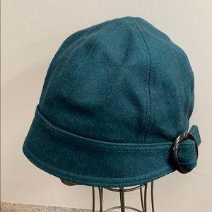 REI hat